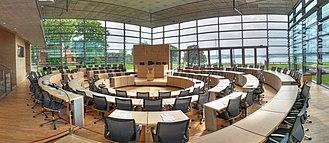 Landtag of Schleswig-Holstein - Image: 1489 1540 crop 4 Kiel, Landtag, Parlamentssaal, SH