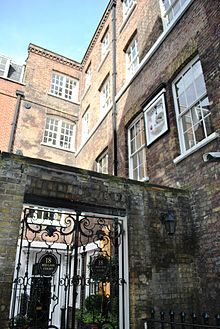18 Red Lion Court