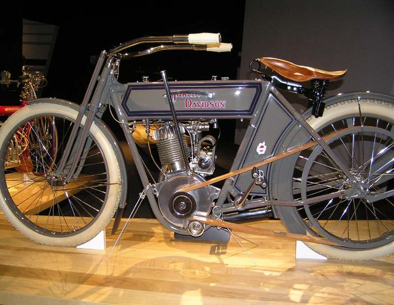 File:1911 Harley-Davidson Model 7D (3) - The Art of the Motorcycle - Memphis.jpg