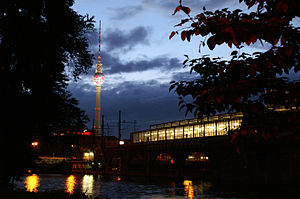 Berlin Jannowitzbrücke station - Station and bridge in the evening