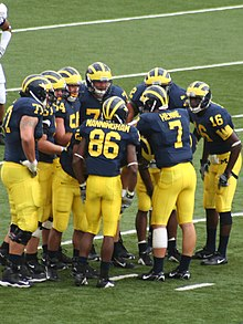220px 20060909 Michigan Wolverines Huddle with Long%2C Manningham%2C Henne and Arrington Chad Henne