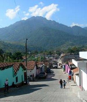 San Andrés Sajcabajá - Street scene in San Andrés Sajcabajá, November 2006