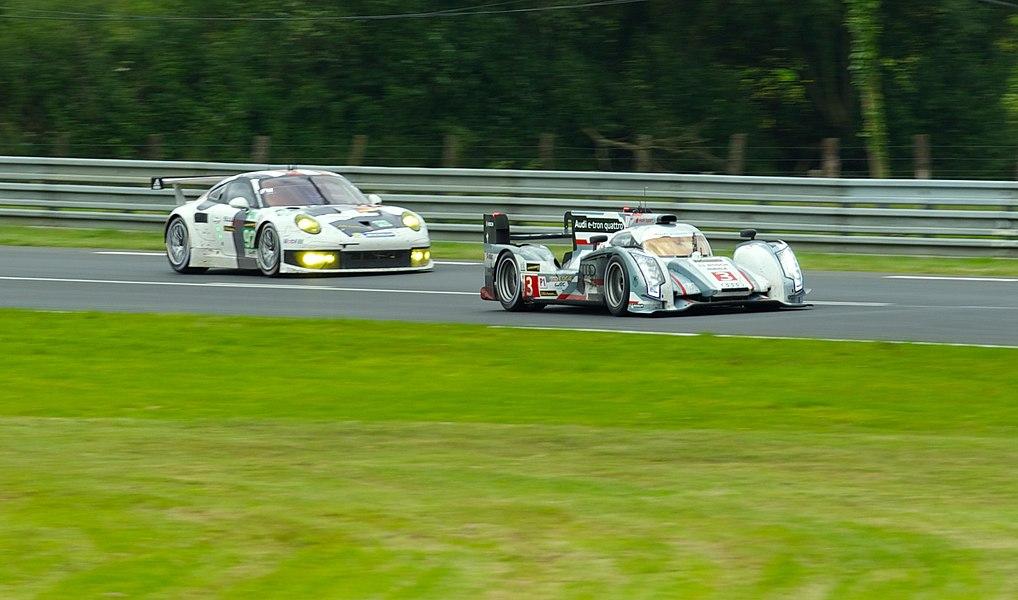 3 Audi R18 e-tron quattro (Audi Sport Team Joest) LMP1 and #92 Porsche 911 RSR (Porsche AG Team Manthey) LMGTE Pro