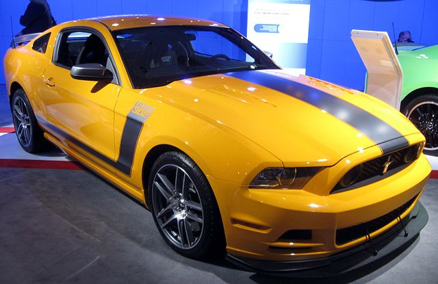http://upload.wikimedia.org/wikipedia/commons/thumb/9/94/2013_Ford_Mustang_Boss_302_--_2012_NYIAS.JPG/640px-2013_Ford_Mustang_Boss_302_--_2012_NYIAS.JPG