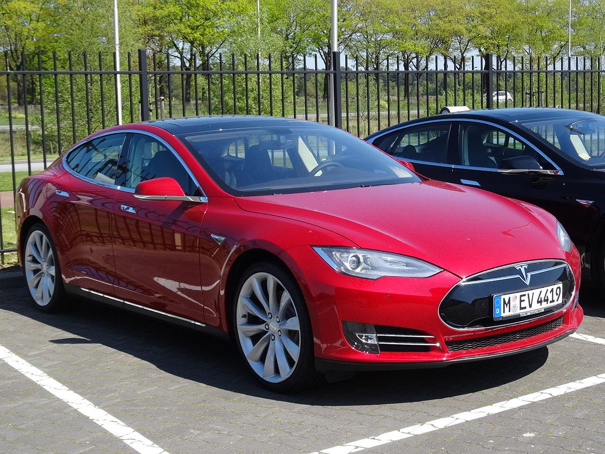 Tesla Model S Вікіпедія