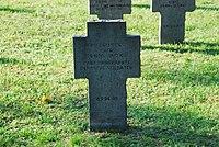 2017-09-28 GuentherZ Wien11 Zentralfriedhof Gruppe97 Soldatenfriedhof Wien (Zweiter Weltkrieg) (028).jpg