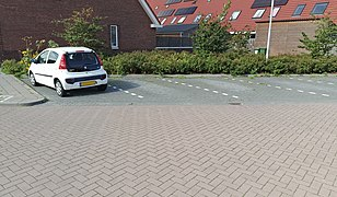 20200925-parking-lined-slanted.jpg