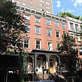 3 Gramercy Park West sunny morn jeh.JPG