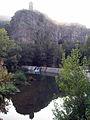 47 Castellfollit de la Roca reflectit a la resclosa del Fluvià.jpg