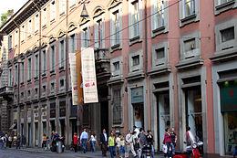 8829 - Milano - Via Manzoni - Palazzo Poldi Pezzoli - Foto Giovanni Dall'Orto 14-Apr-2007.jpg