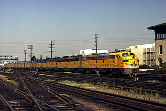 City of Los Angeles (train) - Image: 932 arr laupt Flickr drewj 1946