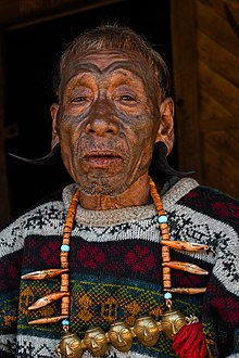 A headhunter in longwa village, nagaland.jpg
