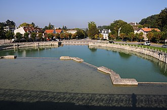 Château de Marly - The horse-watering pool of the former château royal de Marly, in Marly-le-Roi.