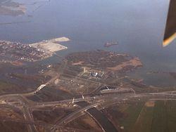 Aerial photograph of KnooppuntDiemen2017.jpg