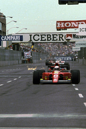 1991 United States Grand Prix - Alain Prost on the first lap in the Ferrari.