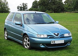 Alfa Romeo 145 first registered in UK October 2000 1598cc photographed at Knebworth.jpg