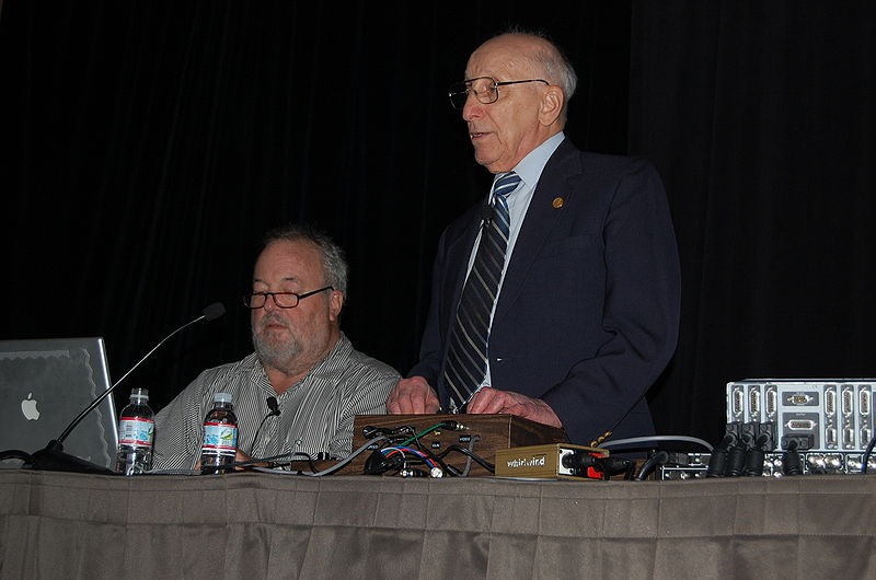 File:Allan Alcorn and Ralph Baer - GDC 2008.jpg