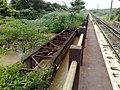 Antiga ponte ferroviária (Ytuana) sobre o Ribeirão Piraí no limite dos municípios de Salto e Indaiatuba. Ao lado dela está a atual (Variante Boa Vista-Guaianã km 212) - panoramio (1).jpg