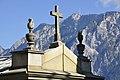 Arnoldstein Friedhofskapelle und Dobratsch 01082012 445.jpg