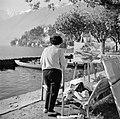 Ascona Schilderes werkende aan de waterkant, Bestanddeelnr 254-4832.jpg