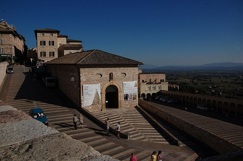 File:Assisi 2010-by-RaBoe-23.jpg