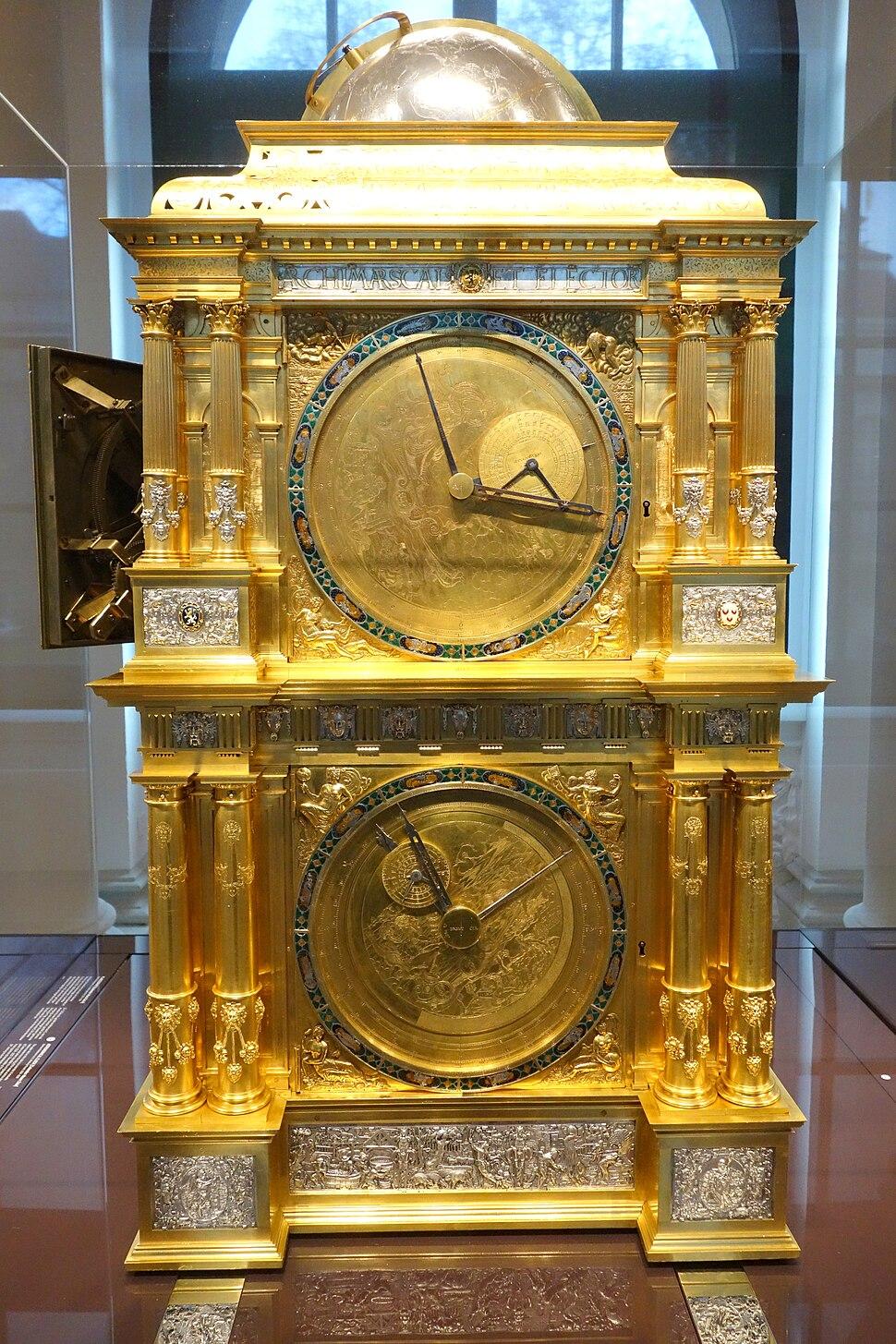Astronomical clock (Venus-Mercury side), Eberhard Baldewein et al, Marburg-Kassel, 1563-1568 - Mathematisch-Physikalischer Salon, Dresden - DSC08057