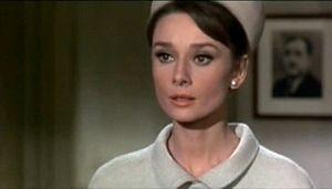 """Η ηθοποιός στην ταινία """"Charade"""" (1963)."""