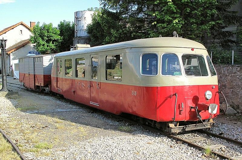 Schienenbus (Autorail) Billard A 80 D Nr. 313 der Voies Ferrées du Velay (VFV), in Tence am 20 Mai 2011.