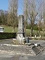 Béthisy-Saint-Pierre (60), monument aux morts, place rue du Dr Chopinet - rue Henri-Barbusse.jpg