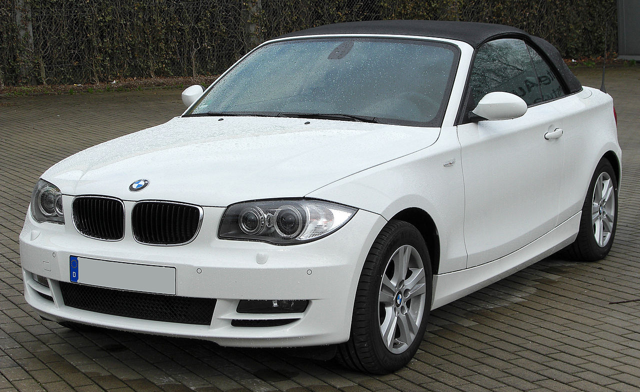 file bmw 118d cabriolet front wikimedia commons. Black Bedroom Furniture Sets. Home Design Ideas