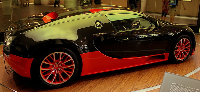 file bugatti veyron 16 4 super sport at a bugatti dealer. Black Bedroom Furniture Sets. Home Design Ideas