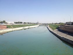 Badam river in Shymkent (september).jpg