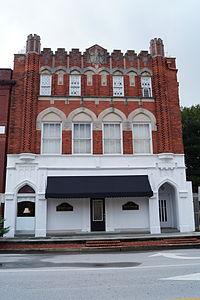 Bank of Onslow and Jacksonville Masonic Temple.JPG
