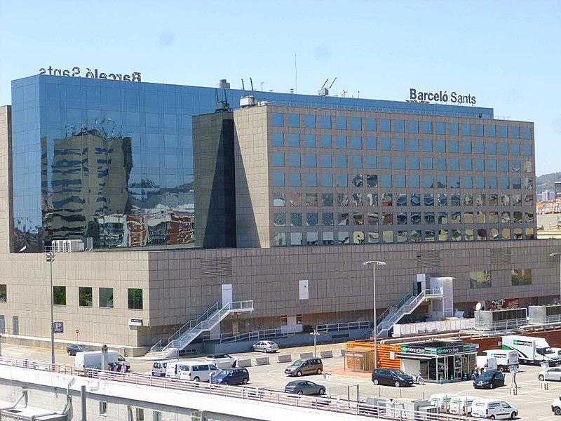 Barcelona - Estaci%C3%B3n de Sants y Hotel Barcel%C3%B3 Sants 2.jpg