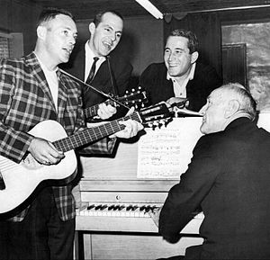 Perry Como television and radio shows - Elroy Face and Hal Smith of the Pittsburgh Pirates with Perry Como and Casey Stengel of the New York Yankees rehearsing for a Kraft Music Hall appearance, 1960