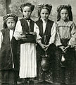 Belarusian peasant girls in traditional clothing - Luchniki village - Minsk region - ca 1910 AD.jpg