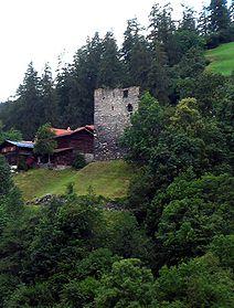 Bernegg oberhalb der Strasse nach Arosa