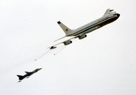 A Boeing 707 refuelling Atlas Cheetahs using the probe and drogue system. - Aerial refueling