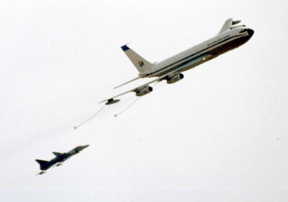 Boeing 707 b
