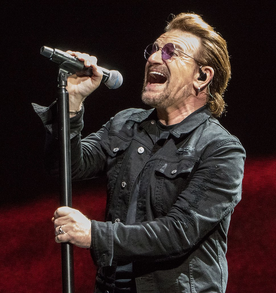 Bono singing in Indianapolis on Joshua Tree Tour 2017 9-10-17