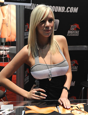 English: Britney Beth (aka Bibi Jones) at AVN ...