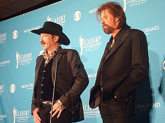 Brooks & Dunn - Leon 'Kix' Brooks (left) and Ronnie Dunn (right) at the 2010 Academy of Country Music awards