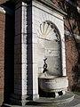 Brunnen an der ehemaligen Burtscheider Abtei - panoramio.jpg