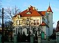 Budynek z pocz. XX w. wg projektu Dawida Landego, obecnie siedziba Uniwersytetu Łódzkiego - Katedra Dziennikarstwa i Komunikacji Społecznej - panoramio (1).jpg