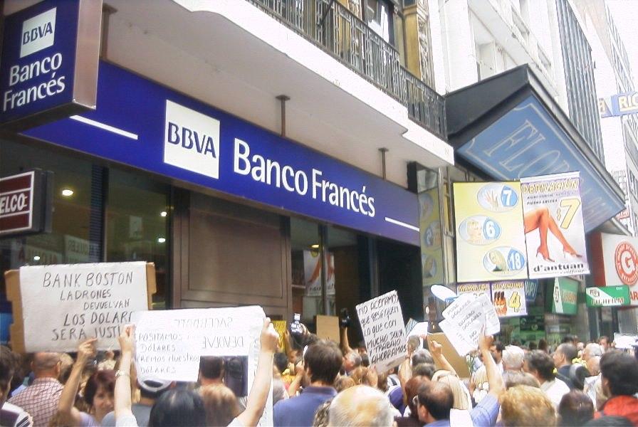 Buenos Aires - Manifestación contra el Corralito - 20020206-17