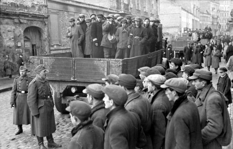 Bundesarchiv Bild 101I-134-0766-20, Polen, Ghetto Warschau, Juden auf LKW