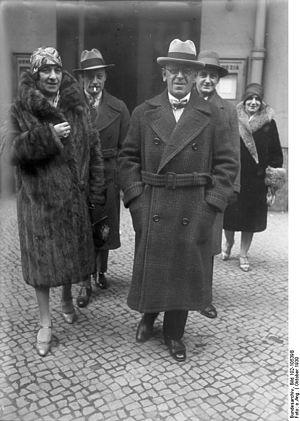 Grock - Grock with wife, Berlin 1930