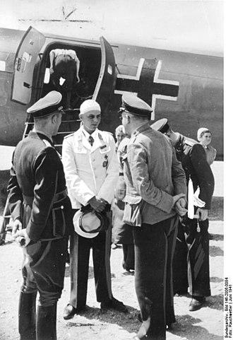 Walter Koch (Fallschirmjäger) - A wounded Koch returning to Germany in June 1941 following the Battle of Crete.
