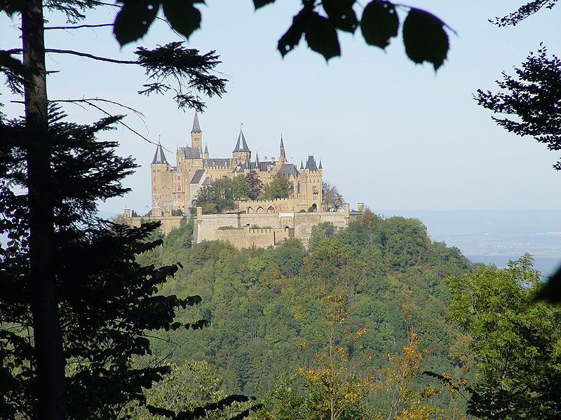 File:Burg Hohenzollern 10.JPG