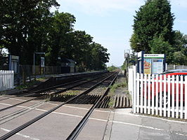 Burton Joyce railway station in 2008.jpg
